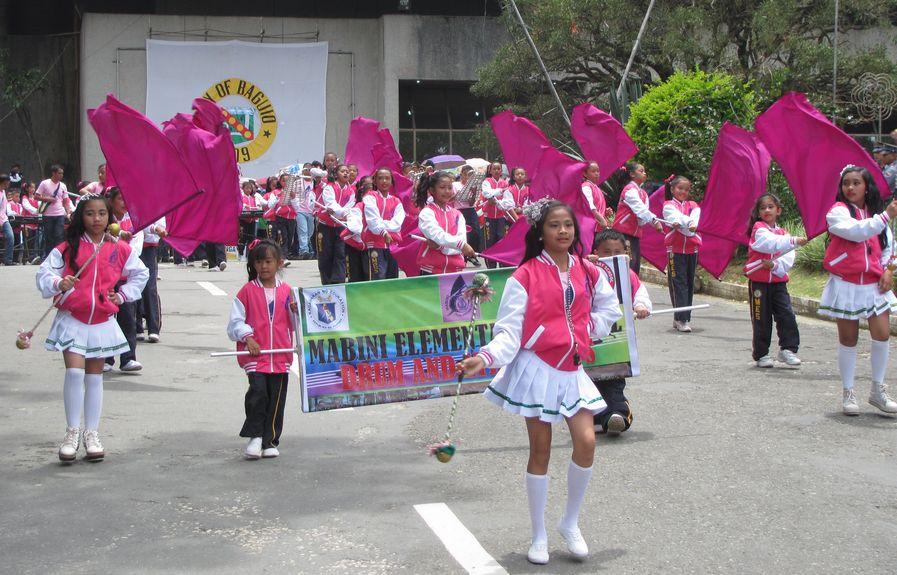 Baguio Day Parade 2013 フィリピン・バギオ市制104周年記念 コスプレ・パレード_a0109542_14244552.jpg