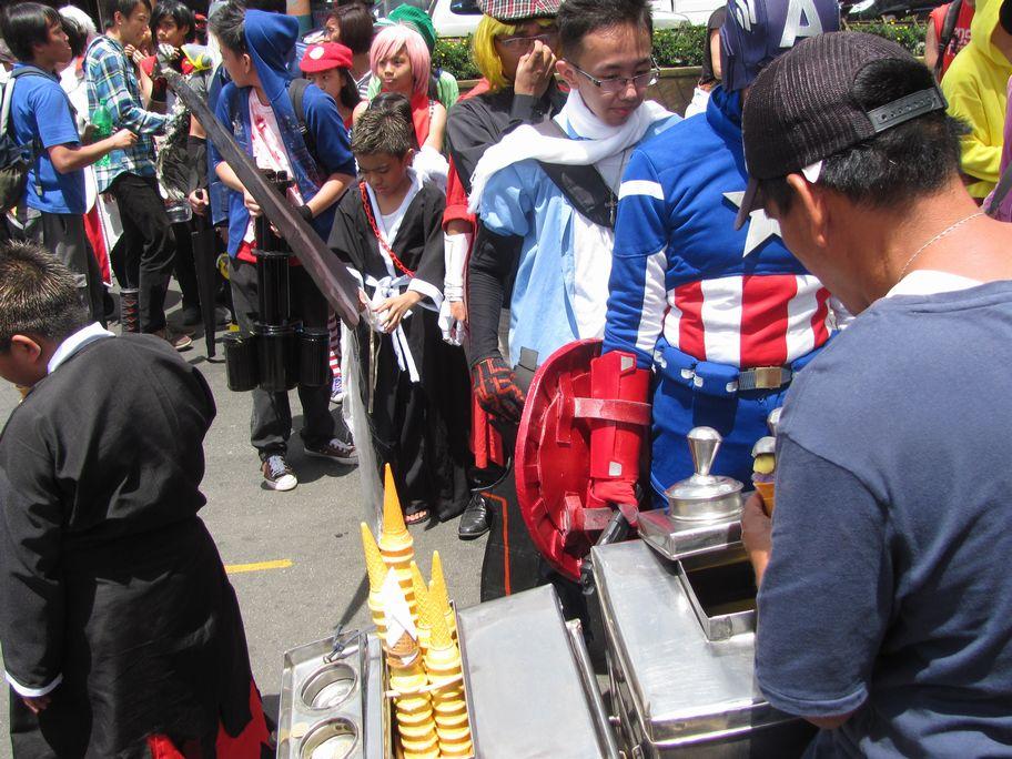 Baguio Day Parade 2013 フィリピン・バギオ市制104周年記念 コスプレ・パレード_a0109542_1455846.jpg