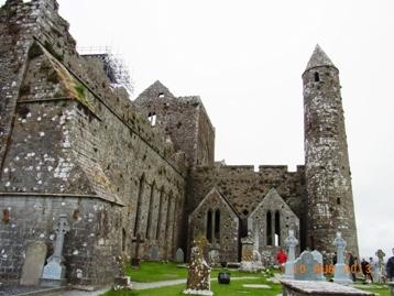 Ireland ロック・オブ・キャッシェル_e0195766_200257.jpg