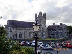 Ireland 中世の面影が残る町キルケニー_e0195766_2063274.jpg