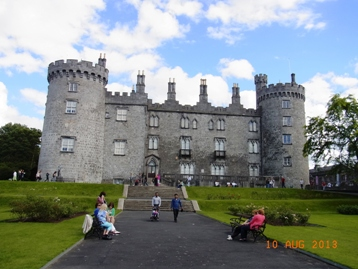 Ireland 中世の面影が残る町キルケニー_e0195766_206529.jpg