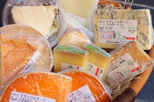 【チーズ再入荷】カルボナーラに欠かせないチーズ・・?_b0016474_10235461.jpg