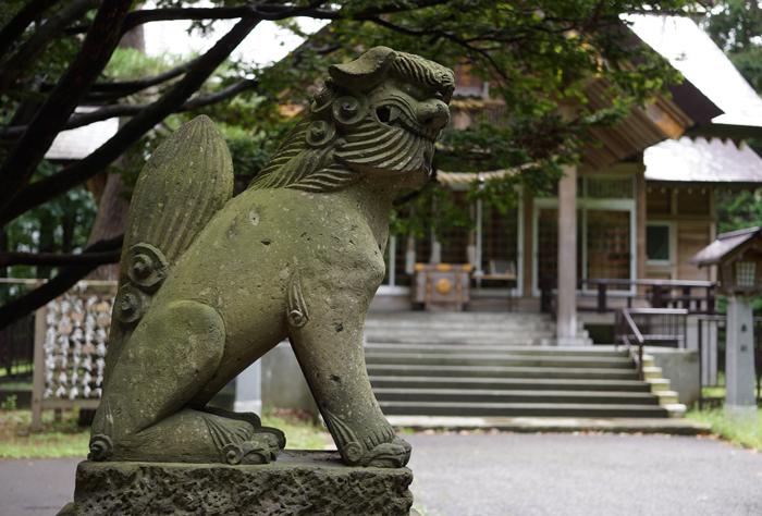 大谷地神社の狛犬_c0182775_22391659.jpg