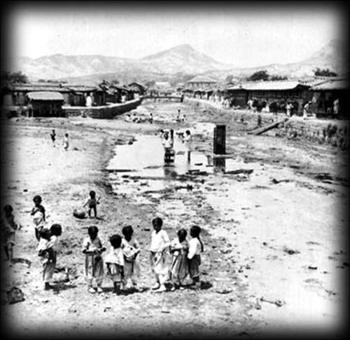 韓国人「100年前の世界各国の都市を見てみよう」:その勇気は称えるが?_e0171614_19191538.jpg