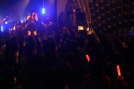 織田かおり 2ndソロライブに男女400人集結!11月27日ニューシングル決定!_e0025035_15555335.jpg