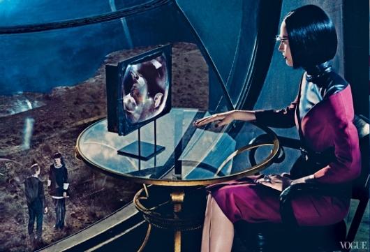 ファッション誌ヴォーグ最新号「未来的なガジェット」特集にGoogle Glass登場_b0007805_22294880.jpg