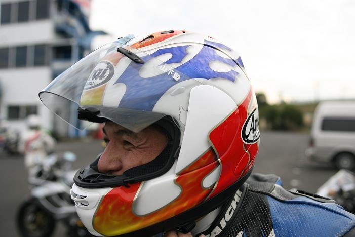 アライ様の新型ヘルメット?ですやん!_f0056935_19585830.jpg