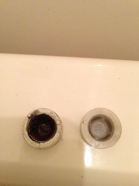 トイレタンクに水がたまらない_e0089564_1754764.jpg