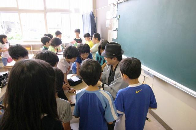おとどけアート 9月3日(火) 北陽小学校×佐藤隆之_a0062127_1553426.jpg