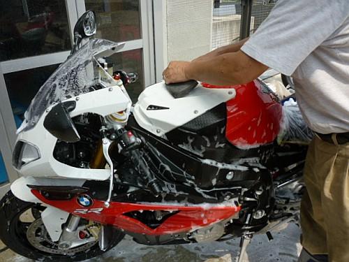 大切なバイクには、セラミックコーティングなど如何でしょう・・・・。_e0254365_17244149.jpg