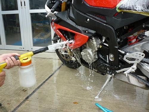 大切なバイクには、セラミックコーティングなど如何でしょう・・・・。_e0254365_17282061.jpg