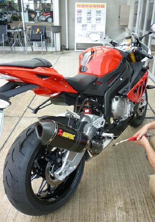 大切なバイクには、セラミックコーティングなど如何でしょう・・・・。_e0254365_17321714.jpg