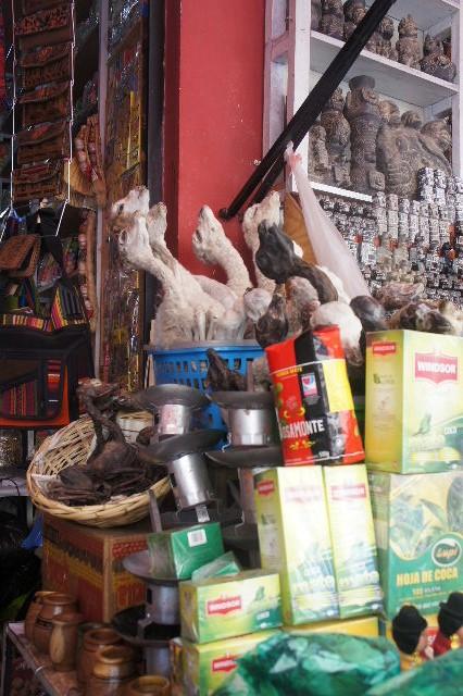 ボリビアの旅(41) 【ラパス】 リナレス通りとラ・カソナでランチ_c0011649_1933278.jpg