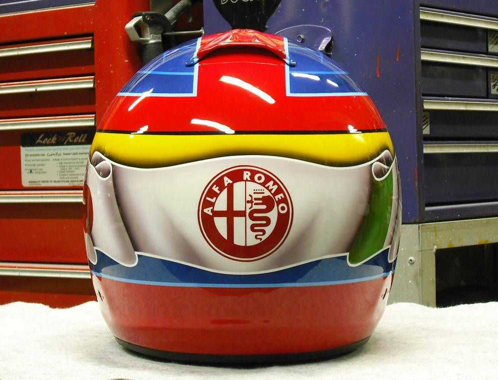 今度はGP-6Sでアルファ専用ヘルメットをペイント。_d0130115_1534849.jpg