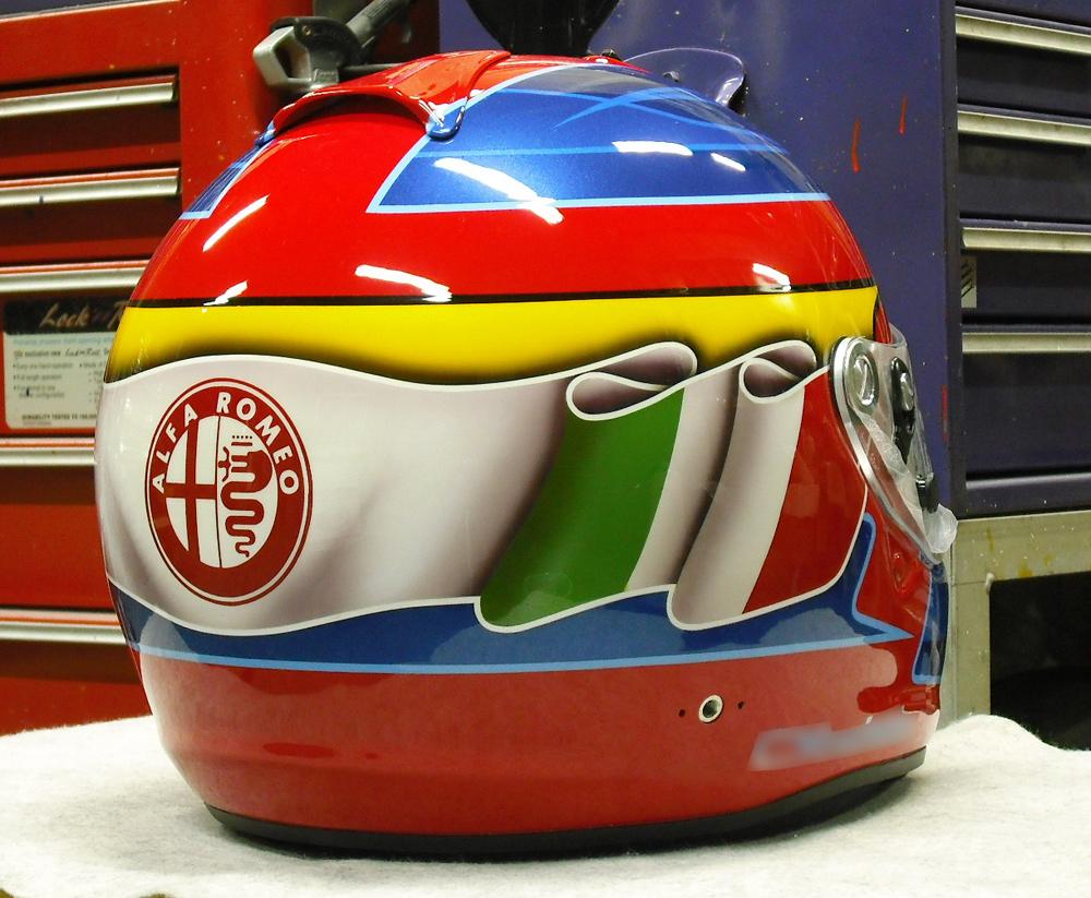 今度はGP-6Sでアルファ専用ヘルメットをペイント。_d0130115_15384329.jpg