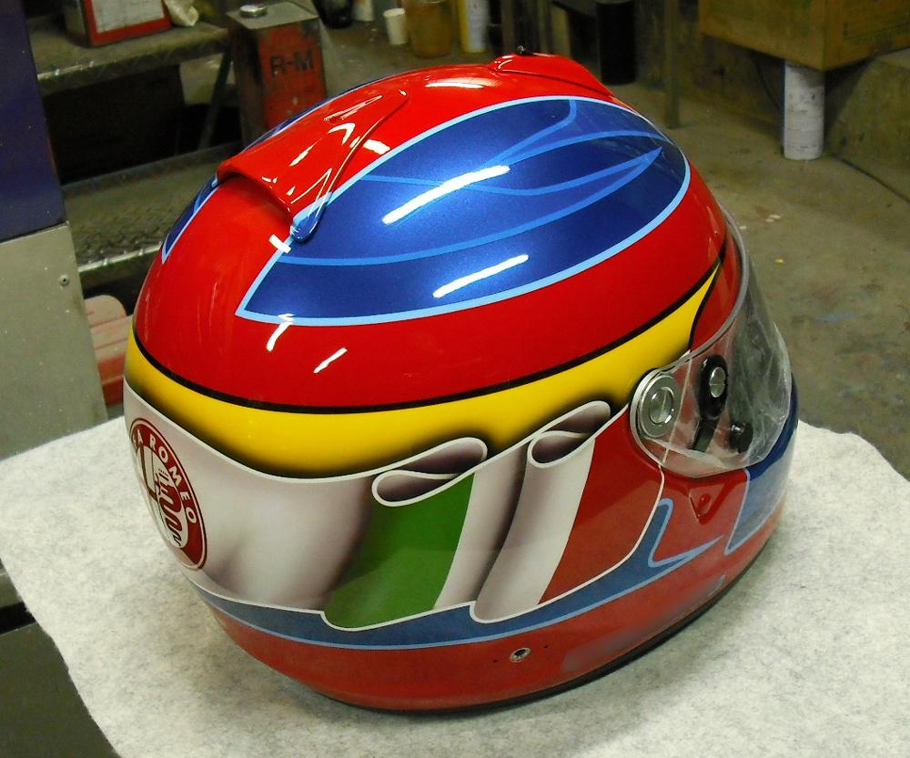 今度はGP-6Sでアルファ専用ヘルメットをペイント。_d0130115_15443626.jpg