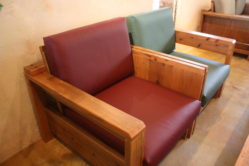 カフェに新しいソファ入りました!_d0237564_14192473.jpg