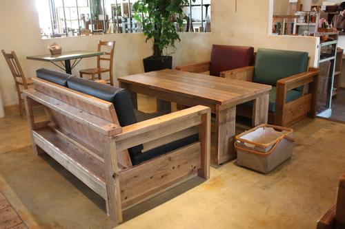 カフェに新しいソファ入りました!_d0237564_1420196.jpg