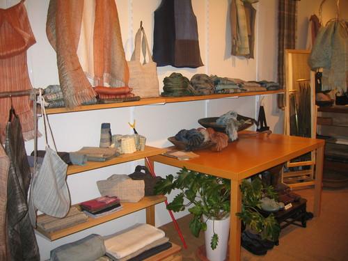 手仕事の布と衣の店_b0299094_13384850.jpg