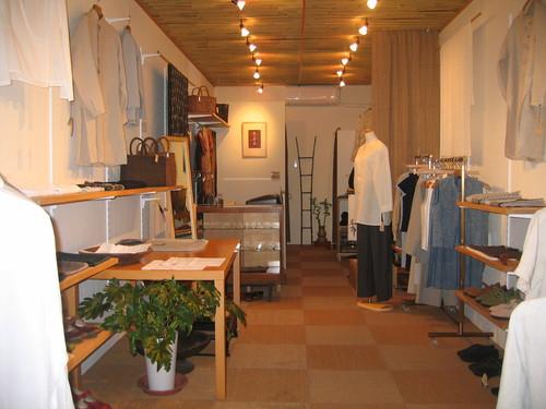 手仕事の布と衣の店_b0299094_13394479.jpg