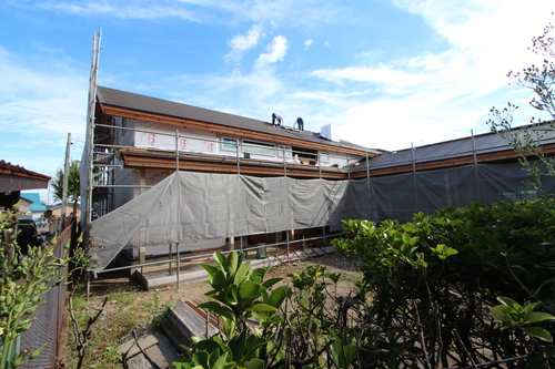 ゼロエネルギーハウス花園町:屋根工事_e0054299_15123148.jpg