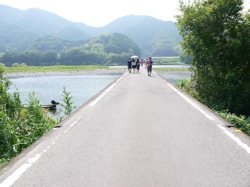 四万十川 沈下橋とだいちゃん_e0133535_11573517.jpg