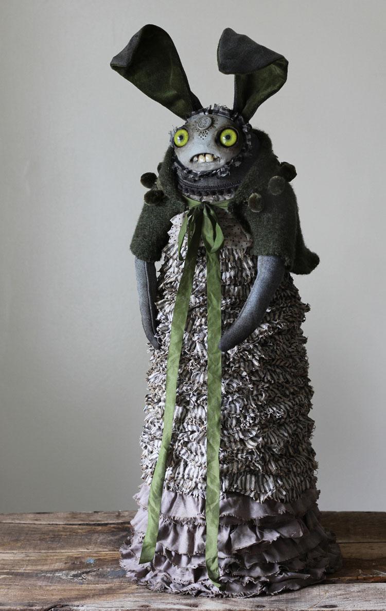 Monsters & Misfits III、Amandaの出品作はぜんぶで28点_a0077842_028264.jpg