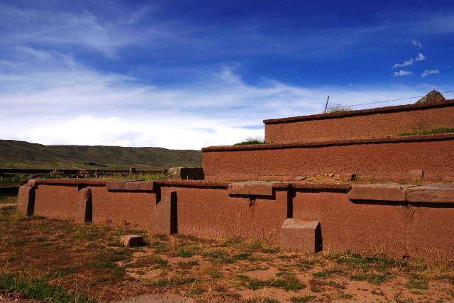 ボリビアの旅(42) 【世界遺産】 ティワナク遺跡 TIWANAKU_c0011649_15542536.jpg