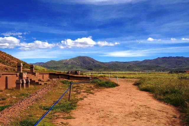 ボリビアの旅(42) 【世界遺産】 ティワナク遺跡 TIWANAKU_c0011649_1555521.jpg