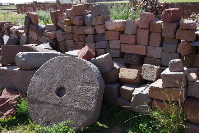 ボリビアの旅(42) 【世界遺産】 ティワナク遺跡 TIWANAKU_c0011649_15575130.jpg