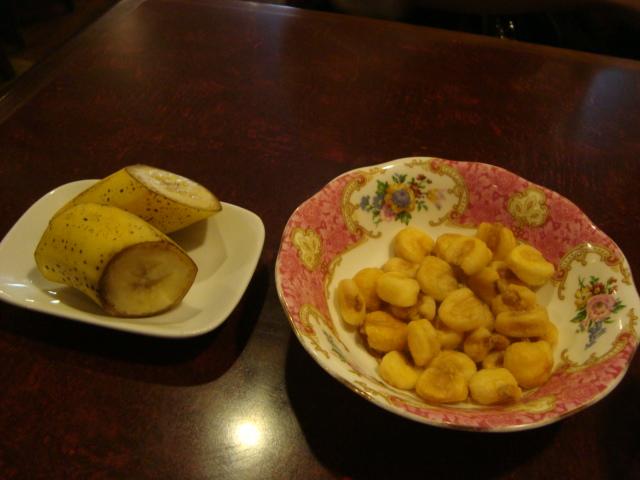 新宿三丁目「カフェ アルル」へ行く。_f0232060_20445471.jpg