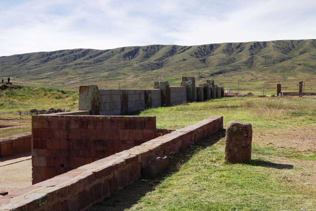 ボリビアの旅(42) 【世界遺産】 ティワナク遺跡 TIWANAKU_c0011649_0235659.jpg