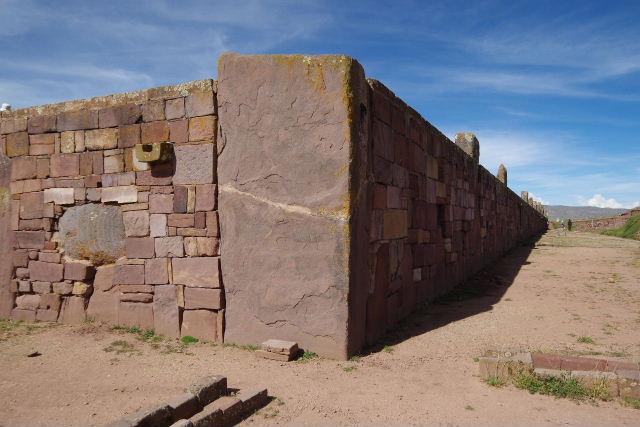 ボリビアの旅(42) 【世界遺産】 ティワナク遺跡 TIWANAKU_c0011649_02389.jpg