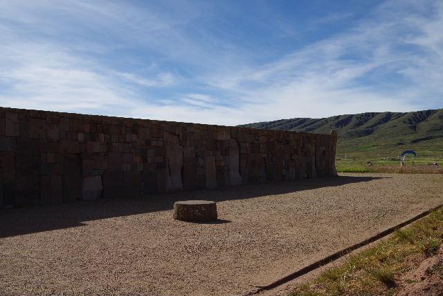 ボリビアの旅(42) 【世界遺産】 ティワナク遺跡 TIWANAKU_c0011649_0255812.jpg