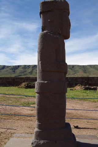 ボリビアの旅(42) 【世界遺産】 ティワナク遺跡 TIWANAKU_c0011649_039465.jpg