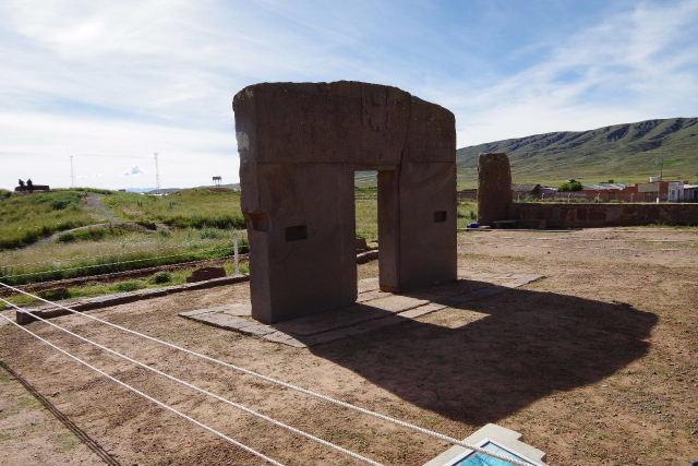 ボリビアの旅(42) 【世界遺産】 ティワナク遺跡 TIWANAKU_c0011649_0424075.jpg