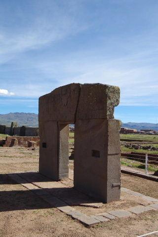 ボリビアの旅(42) 【世界遺産】 ティワナク遺跡 TIWANAKU_c0011649_0425229.jpg