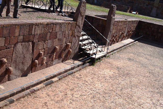 ボリビアの旅(42) 【世界遺産】 ティワナク遺跡 TIWANAKU_c0011649_7404373.jpg