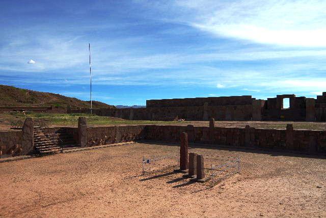 ボリビアの旅(42) 【世界遺産】 ティワナク遺跡 TIWANAKU_c0011649_7413015.jpg