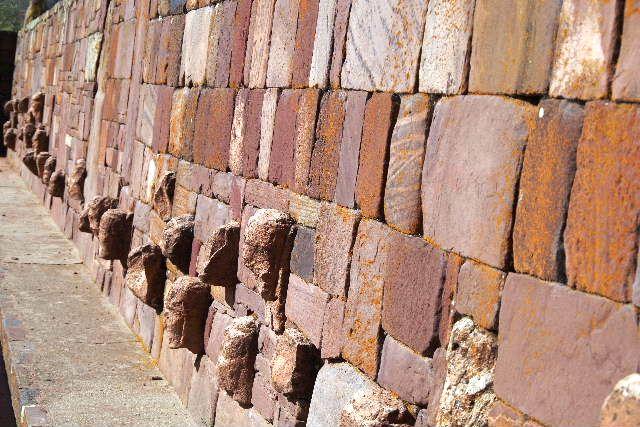 ボリビアの旅(42) 【世界遺産】 ティワナク遺跡 TIWANAKU_c0011649_743228.jpg