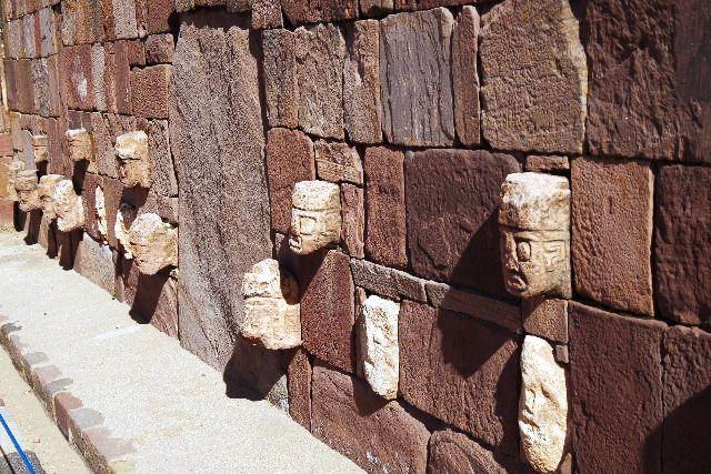 ボリビアの旅(42) 【世界遺産】 ティワナク遺跡 TIWANAKU_c0011649_7434224.jpg