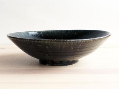 田谷さんの黒ルリ7.5寸鉢。_a0026127_16533246.jpg