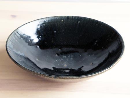 田谷さんの黒ルリ7.5寸鉢。_a0026127_1653917.jpg