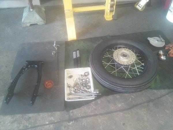 ロングインナーチューブとSR400車検整備とジェンマー_a0139843_22523034.jpg