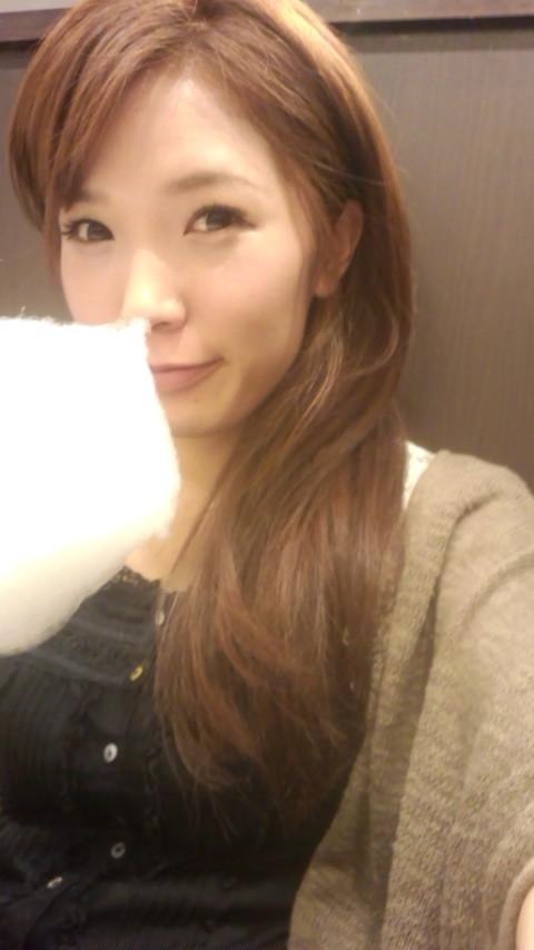 綿菓子食べる私_e0114246_8322568.jpg