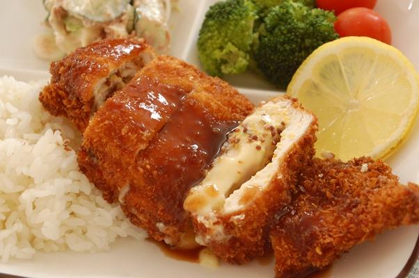 鶏胸肉でとろ~り【チーズマスタードカツ☆】_d0104926_1650663.jpg
