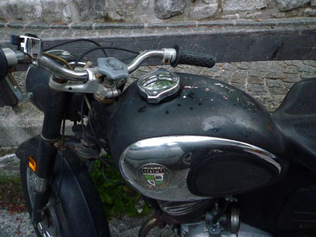 オーストリアのバイク_f0002755_19112377.jpg