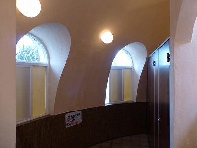 トイレドーム&タバコドーム_b0122856_13523030.jpg