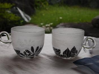 マエダミユキさん「草花のカップ」_c0267856_1483780.jpg