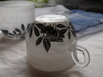 マエダミユキさん「草花のカップ」_c0267856_1492682.jpg